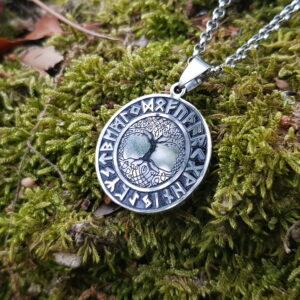 Medallón Yggdrasil