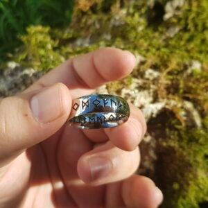 anillo runas
